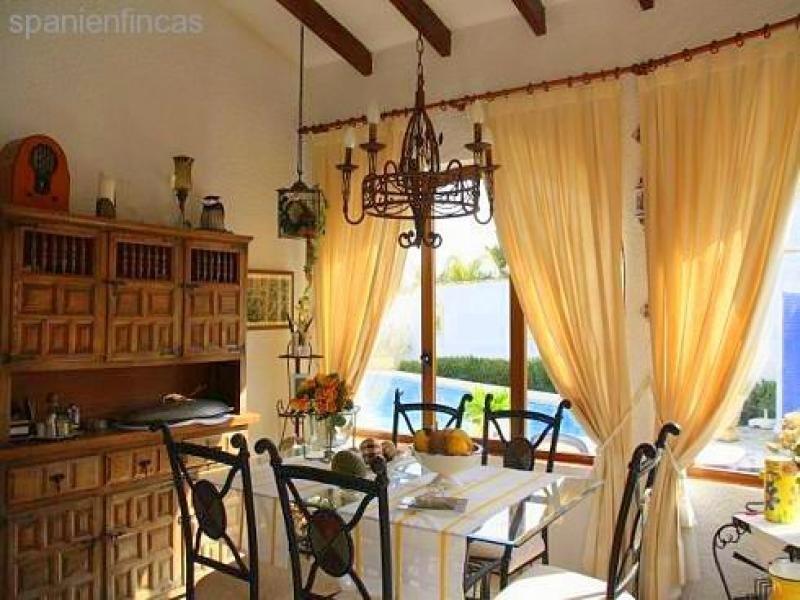 Sehr gepflegte villa finca 115 qm wohnzimmer 3 for Wohnzimmer 9 qm