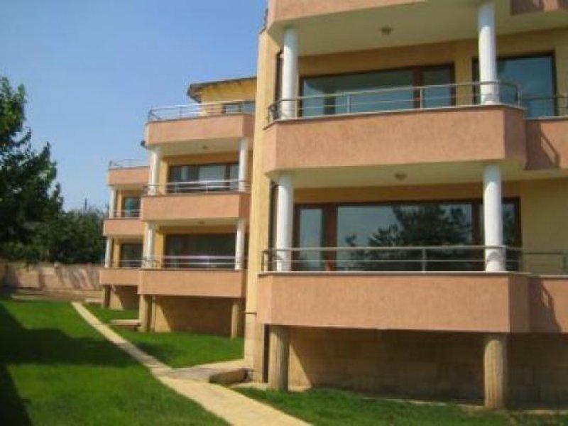Wohnhauser Zwischen Varna Und Goldstrand Homebooster