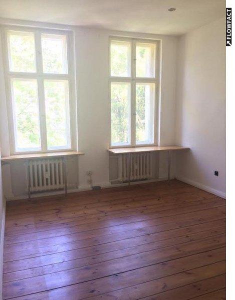 Klein Und Fein Studentenwohnung Mit Balkon Und Einbauküche In P