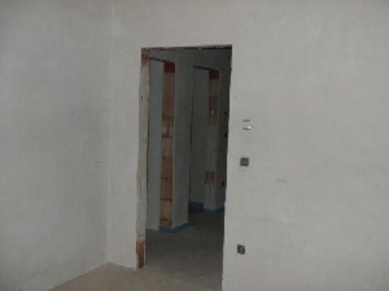 niveauvoll wohnen doppelhaush lfte mit 4 5 zimmern und sonnen terrasse in kassel. Black Bedroom Furniture Sets. Home Design Ideas