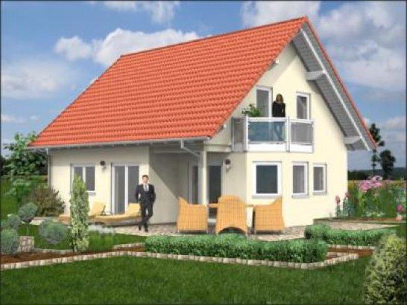 tolles haus mit satteldach erker und balkon homebooster. Black Bedroom Furniture Sets. Home Design Ideas