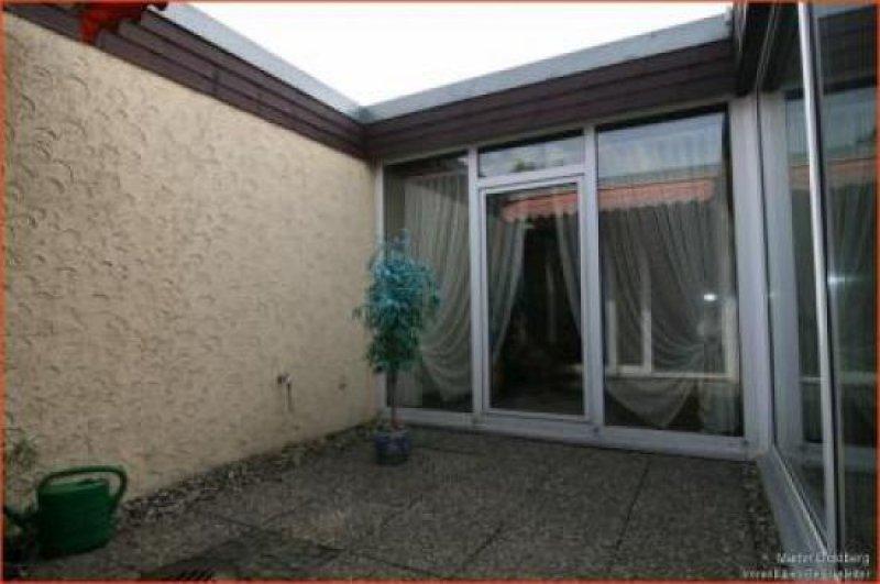 sehr gepflegtes bungalow reihenendhaus mit traumhaft. Black Bedroom Furniture Sets. Home Design Ideas