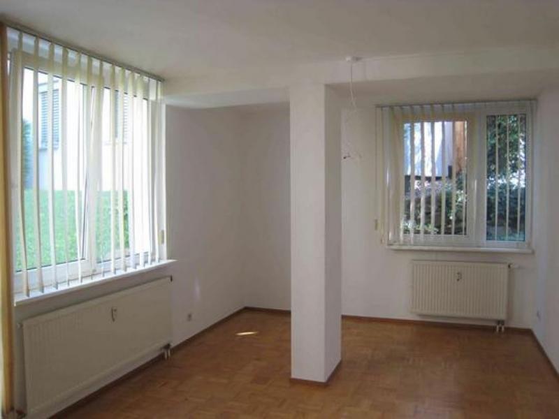 barrierefreie eg wohnung mit terrasse im gr nen n he. Black Bedroom Furniture Sets. Home Design Ideas