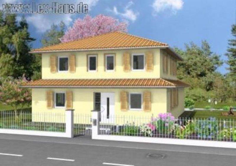 In warmen Farben gehaltene typisch mediterrane Stadtvilla